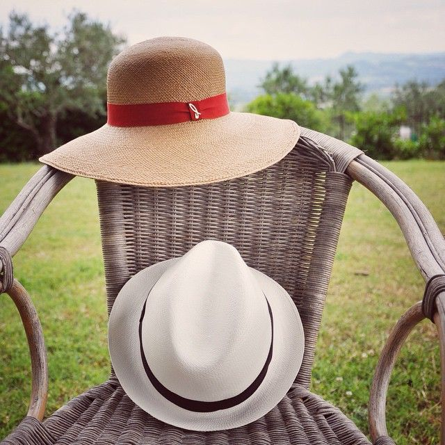 Let's take a cup of tea in the garden together! #summer #hat #panama @doria1905