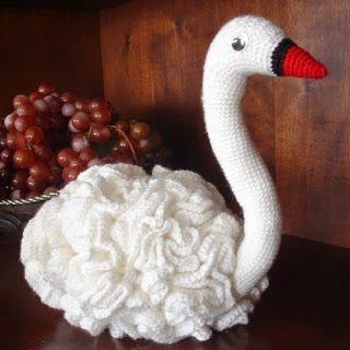 Cisne Amigurumi - Patrón Gratis en Español aquí: http://www.patrones.com.es/cisne-amigurumi/