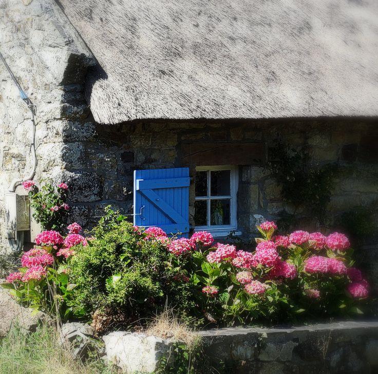 Fenêtre   sur cour Presqu'île  de Crozon, #Finistère, #Bretagne.