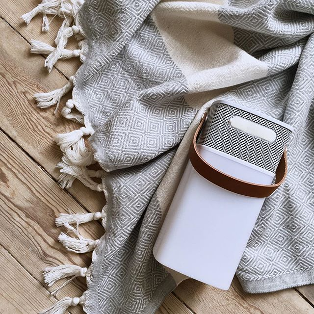 aGLOW from KREAFUNK is a cool, small lightweight speaker that challenges the borders between the interior and the exterior of the home. Photo: @emmakatrinec