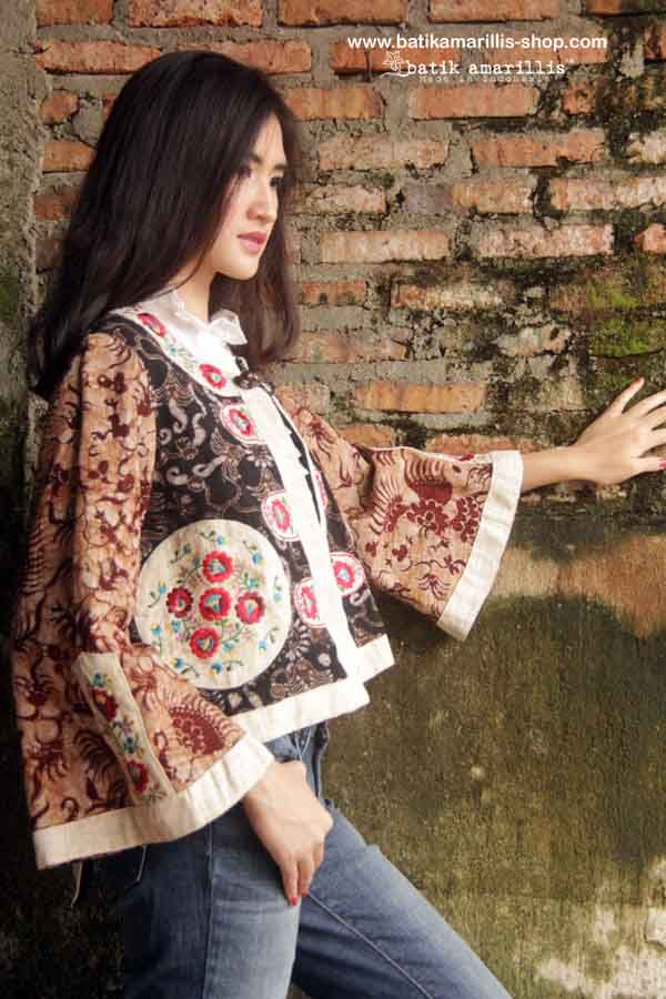 Batik Amarillis Made In Indonesia proudly presents : Batik Amarillis's Amarillissima Jacket in Tenun Batik gedog Tuban of Indonesia with hungarian embroidery .. A beautiful and mesmerizing ethereal collection of fairytale inspired.. Batik Amarillis's Amarillissima jacket is beautiful unique & special ,The style is vintage 1867's Victorian wardrobe inspired ,The unique style & cutting of this beautifully tailored garment will turn heads with its captivating design.