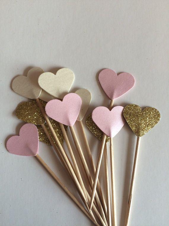 Perfekte Rosa Creme Pastell und Glitter Cupcake vo…