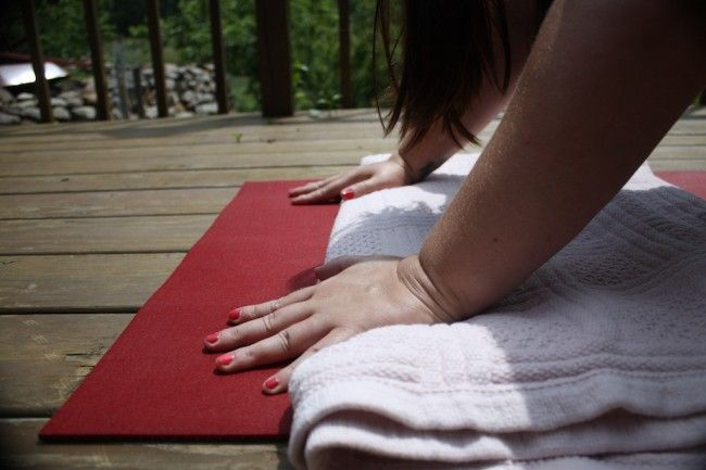 Wrists hurt in downward facing dog? Here are some tips that might help. Not just for plus sizes!