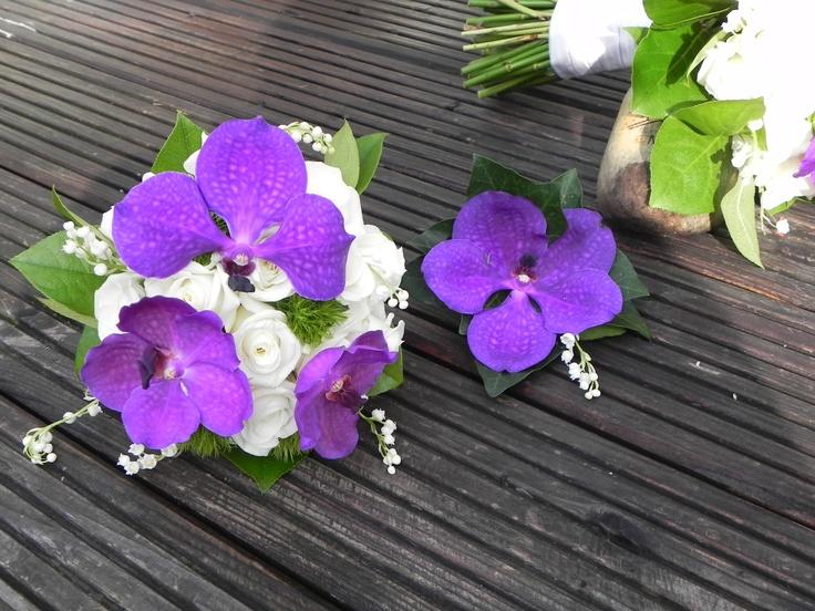 Bruidsboeket 7  Prachtige paars/blauwe Vanda's in dit bruidsboeket