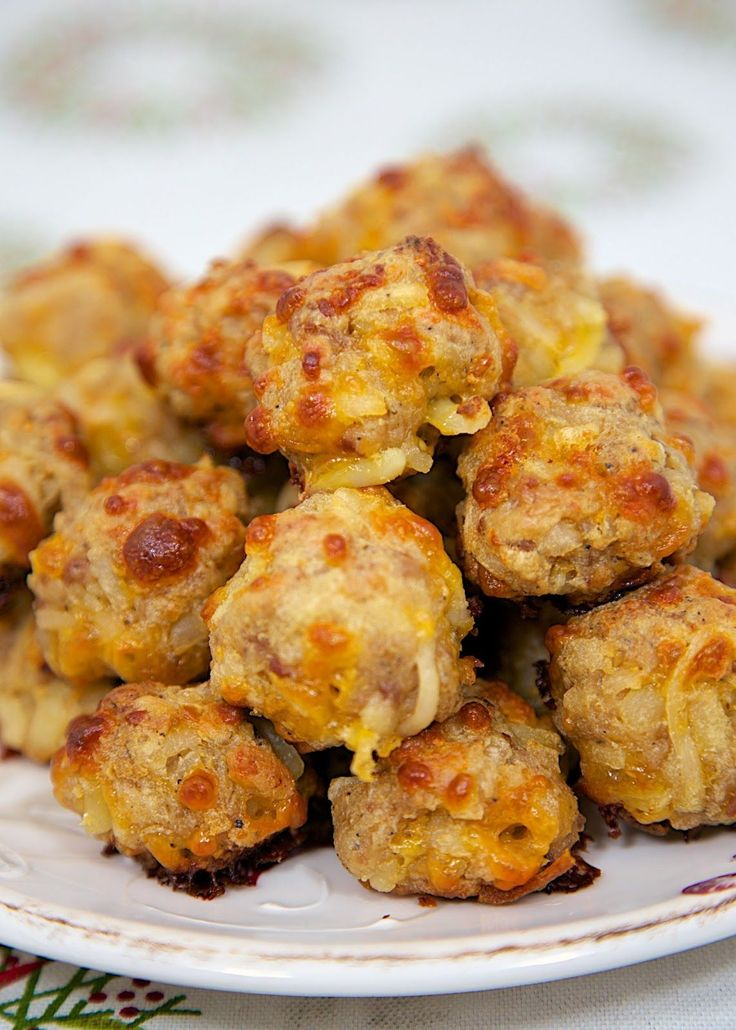 Sausage & Hash Brown Balls Perfect for #Brunch or #Breakfast // PlainChicken.com