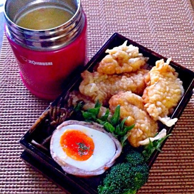 おはよ(๑′ᴗ‵๑)ございます。   鶏天丼 キンピラ ブロッコリー 豚バラマッキーゆで卵  まぁ、早めにあげちゃった的なwゆで卵も、ガッツリに変身です   でゎまた´◡` - 173件のもぐもぐ - 鶏胸肉天丼と、スープ2014.1.21.火曜長男弁to. by iyoko39