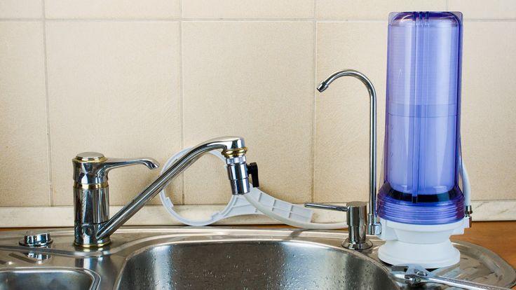 """Asztali vízszűrő felszerelése és szűrőbetét cseréje. """"countertop water filter""""  További információ: http://www.viztisztitomarket.hu/asztali-viztisztitok"""