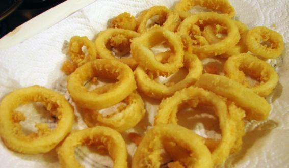 Rabas: deep fried squid rings.