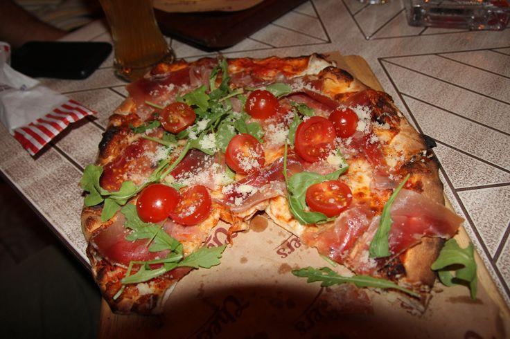 Prosciutto Crudo Pizza Cheers