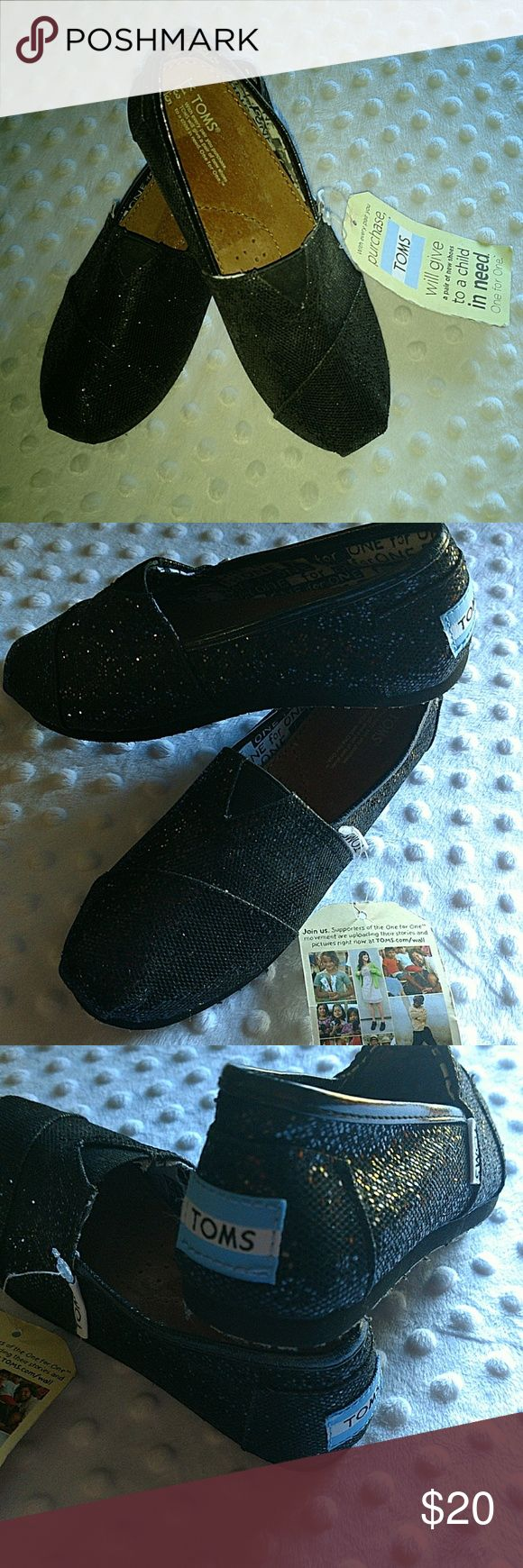 NWT Girl's Black Glitter Tom's size 13.5 NWT great deal Tom's Shoes