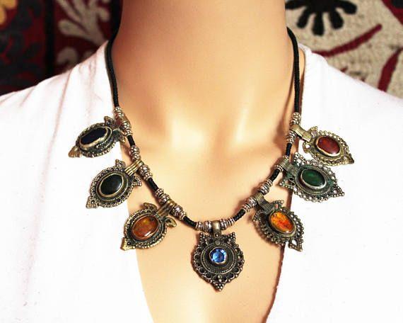 Tribal Halskette mit vintage Schmuckelementen
