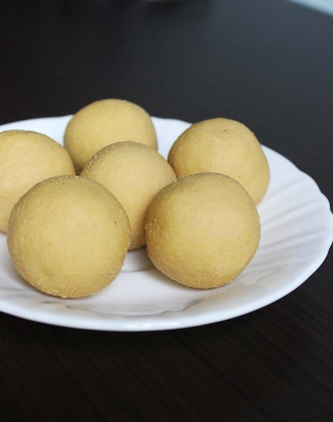 Bandar Laddu Recipe – How to make Thokkudu Ladoo (step by step Pictures)