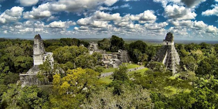 Encuentra aquí las diversas opciones de transporte terrestre y aéreo con las que se puede viajar al departamento de Petén, desde la Ciudad de Guatemala.