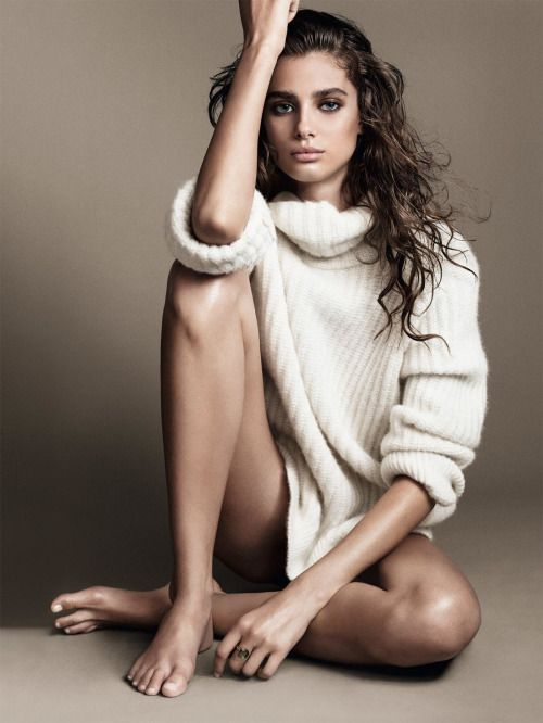 Taylor Hill   callistasetiono (for more inspirations! Hair, makeup/beauty, celebrities, airport styles, accessories, sneakers/shoes, bathing suits/bikini, inspirational quotes, Kendall Jenner, Gigi Hadid, Hailey Baldwin, models off duty, casual, street styles and more!)