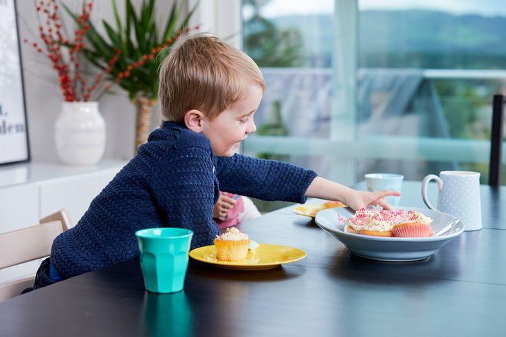 Kjøkkenløsningen gjør det lekende lett å lage middag sammen med barna - Byggmakker+