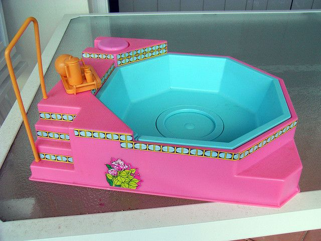 Wish I still had my pump action Barbie spa. I remember the blue cord that pumped air was forever coming out!