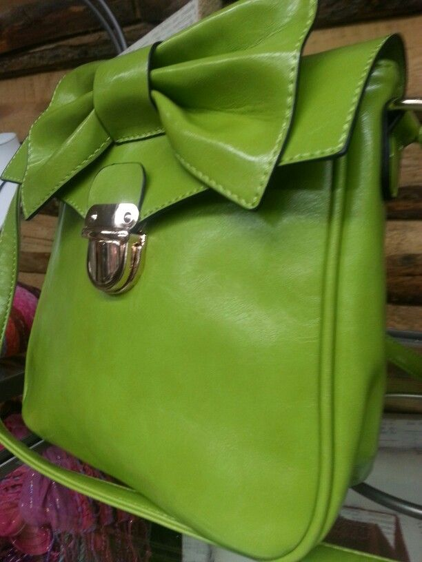 There is nothing dull about this bag.  Electric lime green for spring.  Check out the bow...love that feminine detail.  My Sassy Sister Inc.  Level 2 Symons Valley Ranch market!