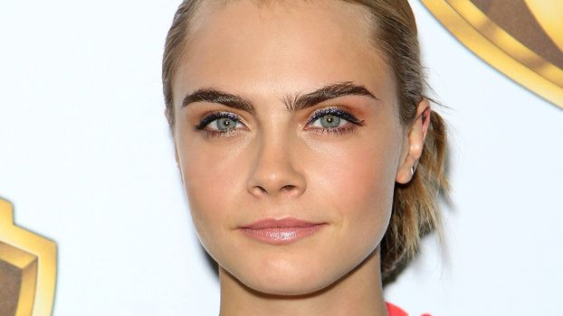 Lighter or Darker? The Best Eyebrow Shade for Your Hair ...