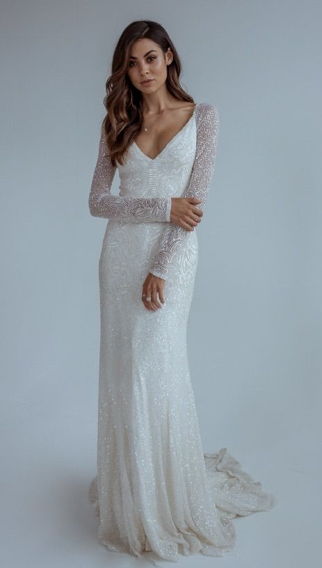 Featured Wedding Dress: Karen Willis Holmes; www.karenwillisholmes.com; Wedding dress idea.