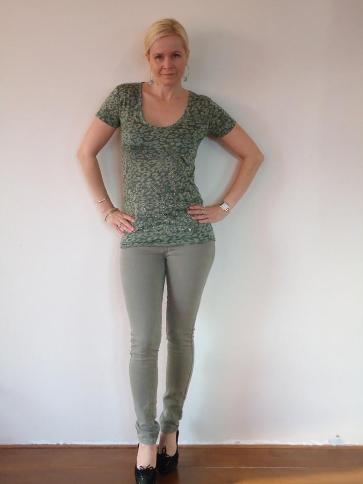 Groene jeans van Jacky Luxury. | FASHION OBSESSION