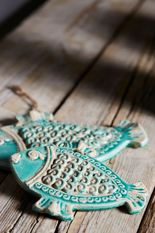 Decorative hanging fish in ceramic from Cotè Table