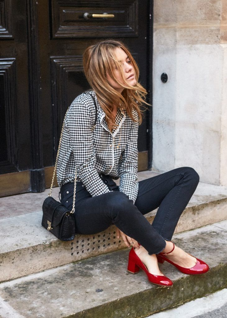 jeans gingham and red pumps