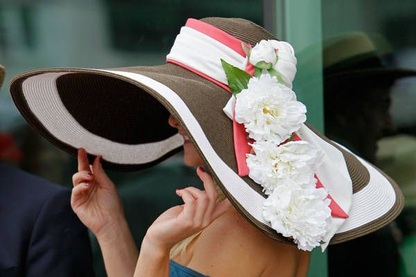 DERBY HATS!!! live from the 2012 kentucky derby!!! black and white and PINK...and BIG and floppy and PRETTY!! :-)