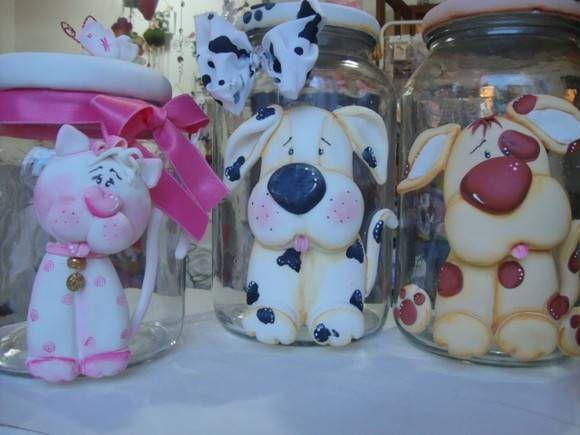 vidros grandes ou medios para 1Kg,com cachorro ou gato,trabalhado na frente e na tampa em biscuit