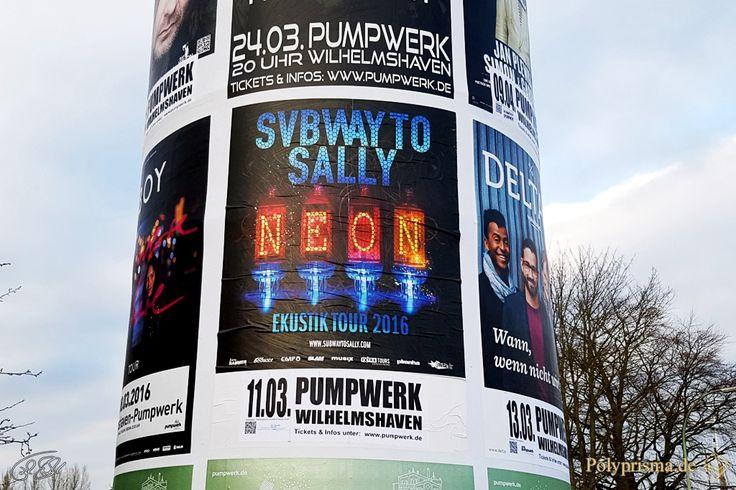 """http://polyprisma.de/wp-content/uploads/2016/03/NeoN_Die_Ekustiktour_Subway_to_Sally_Pumpwerk_Wilhelmshaven_2016_171122-1024x682.jpg """"NeoN"""" Die Ekustiktour 2016 - Subway to Sally im Pumpwerk Wilhelmshaven http://polyprisma.de/2016/neon-die-ekustiktour-2016-subway-to-sally-im-pumpwerk-wilhelmshaven/ Subway to Sally – Ekustik: Eine Band erfindet ihre Musik neu Subway to Sally – für mich bedeutete das bislang oft Marktgesänge, Sackpfeifen, Drehleiern und das ist"""