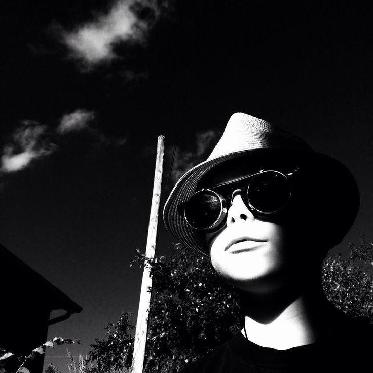 #portrait #childrenphoto #iphonephotography #bw #monochrome #jfdupuis