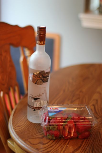 When I saw this idea  on Pinterest I knew I had to try them. I also had a big bottle of chocolate flavored vodka in the closet collecti...