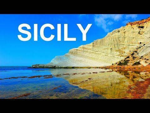Visit Catania 😍😍😍😙❤🔝 Di notte all'orizzonte un velo nero copre il mare e il cielo, luci rosse e gialle nella città e il fuoco della pietra scende da Lei... All'alba di bianco risplende, sulle dorate spiagge s'infrange la vita e sotto il sole c'è solo il verde buia o luminosa questa è Catania  -----  Crediti: Sicily.co.uk