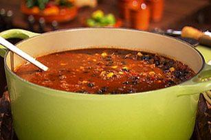 Retrouvez toutes les saveurs d'un taco dans une bonne soupe fumante, prête en moins de 30 minutes! Pour composer un repas complet, accompagnez cette soupe d'une salade et de pain de maïs.