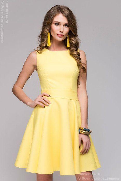Желтое платье длины мини без рукавов