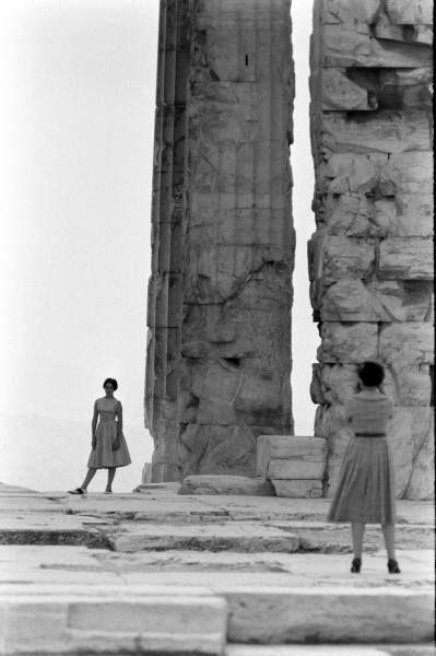 James Burke Τουρίστες στην Ακρόπολη,δεκαετία '60.