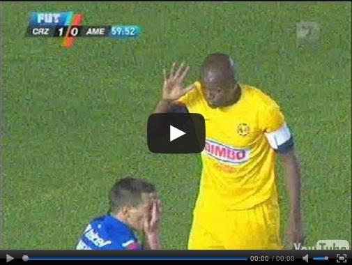 Vídeo del resumen y goles Cruz Azul vs América partido que corresponde al juego de ida de la Final de la Liga MX Clausura 2013. Marcador Final: Cruz Azul 1-0 América.
