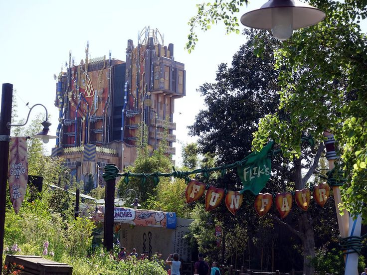 Disneyland rolls out the Wi-Fi | Summer Blockout season | CHOC-tastic discount ticket promotion | This and that…