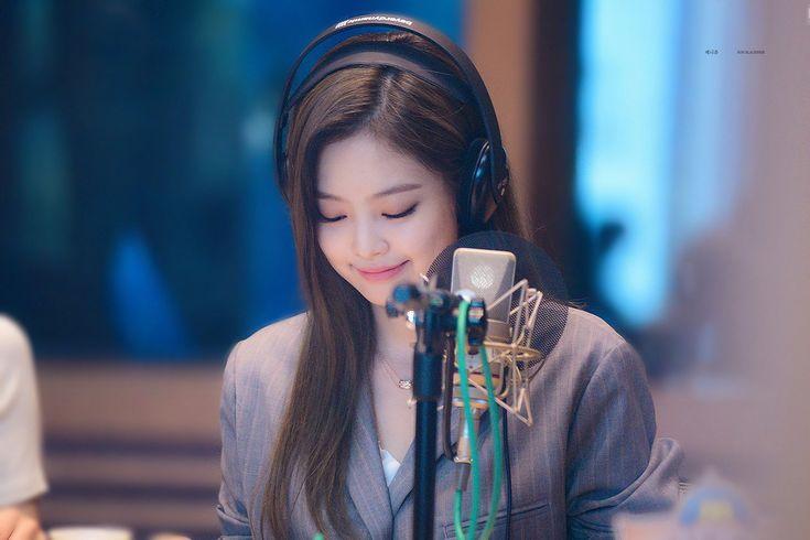제니츄 on Twitter   Kpop mode, Modestil, Koreanische kunst