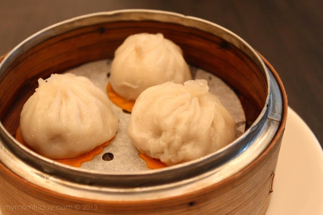 Xiao Long Bao  Unlimited Dim Sum at Jasmine Restaurant - New World Makati Hotel  http://www.mymomfriday.com/2013/04/unlimited-dim-sum-at-jasmine-restaurant.html