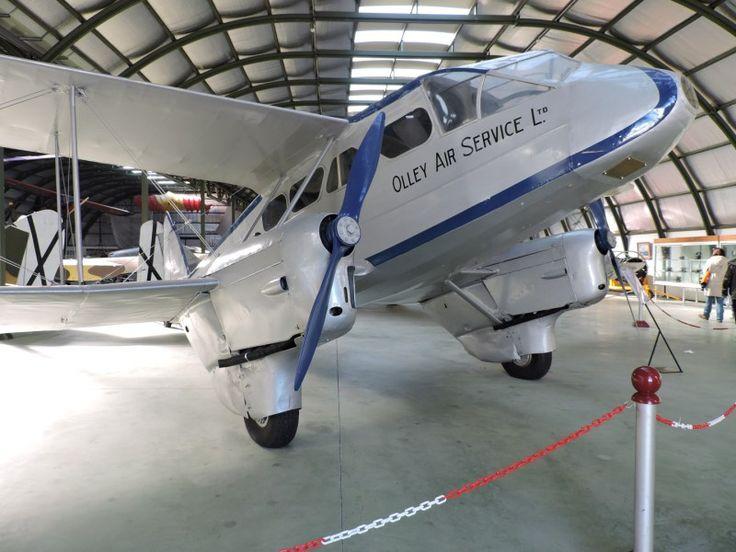 Museo del Aire - Nada menos que el Dragón Rapide, el avión que trajo a Franco a la península y sobre el que se ha hecho una película.