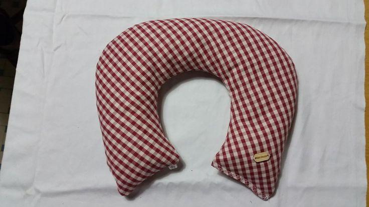 Cuscino cervicale noccioli di ciliegia collo riscaldabile in forno o microonde, by rosycreazioni, 22,00 € su misshobby.com
