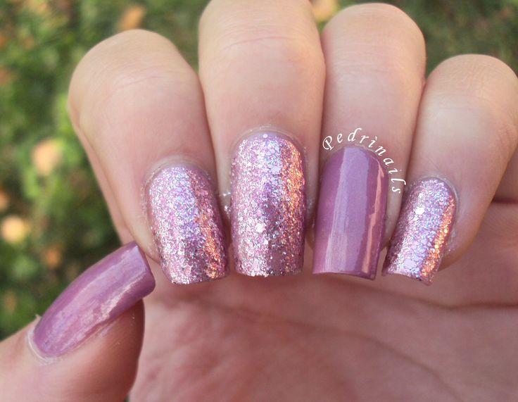 Sandwich manicure glitter pink with mauve double accent nails  http://pedrinails.blogspot.it/2014/12/10-smaltopedia-20-nail-art-ispirata.html