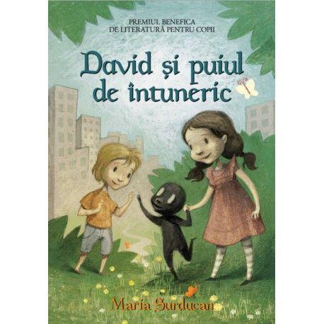 """David si puiul de intuneric - A4 (ed. tiparita) ,,David si puiul de intuneric"""" este o carte deosebita, care trateaza una din fricile majore ale copiilor: teama de intuneric. Credem ca aceasta lectura ii va ajuta pe copii sa-si depaseasca teama si sa renunte la a dormi cu lumina aprinsa. Este o lectura plina de imaginatie, umor si ilustrata cu totul si cu totul deosebit. Lui David ii este frica de intuneric. E convins ca sub patul lui stau pititi monstri, care abia asteapta bezna ca sa-l…"""