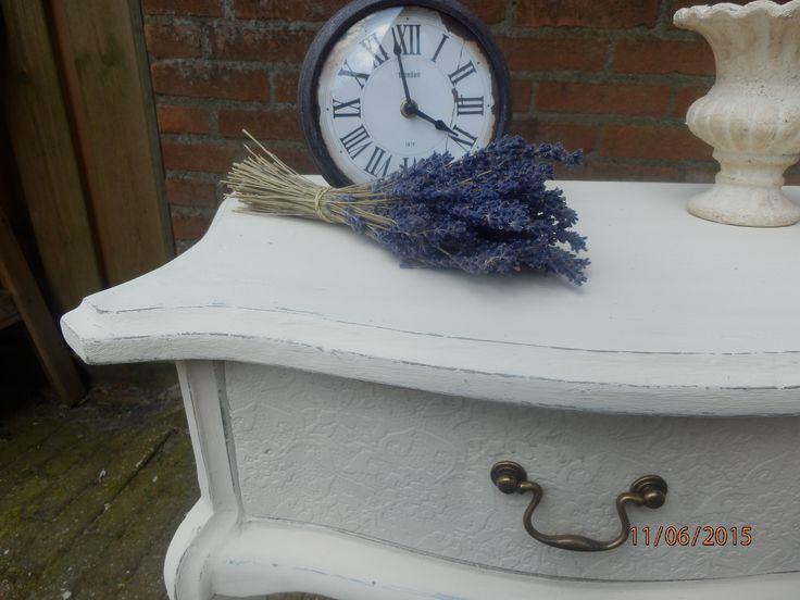 En weer een projectje af! Leuk verouderd tafeltje Queen Anne style krijtwerf, doogeschuurd en ecofinish VERKOCHT