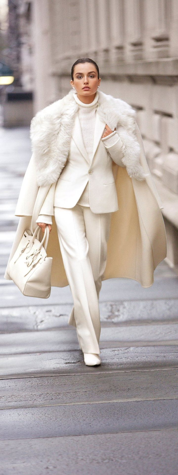 All White Outfit | Formal Wear | Corporate Look | Minimalism | White on White | What to wear to office | Fall Winter Fashion Trends