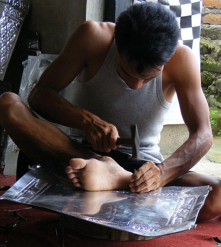 Aluminum Handicrafts - Hand hammered process