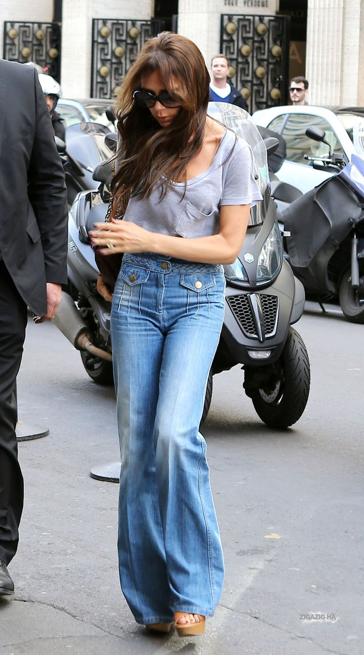 April 20th - Paris - Victoria, Jackie and Tony leaving Eres's shop and arriving at Costes's hotel - 054 - ZIGAZIG HA! Gallery