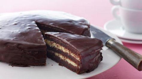 Chokolade-lagkage med smørcreme   Min absolutte ynglings lagkage!