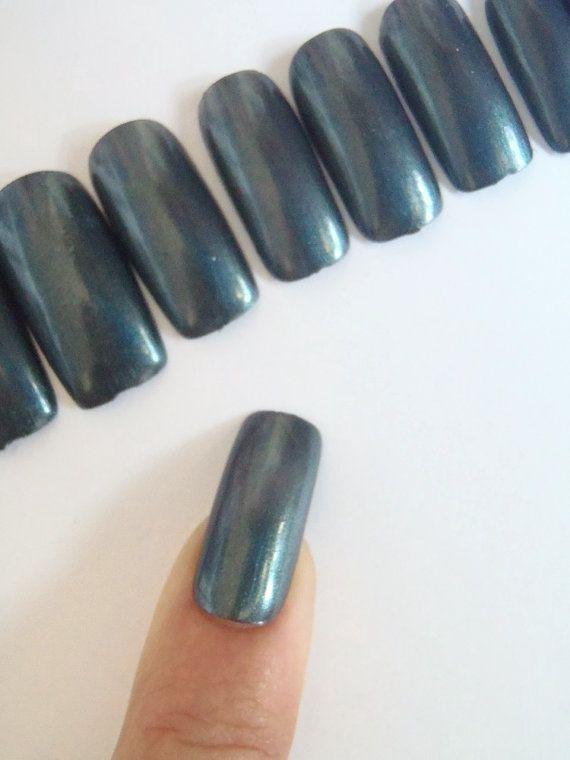 grigio metallizzato unghie finte madreperla strega sexy gotico smalto halloween nail art trending 2015 2016 nozze squadrate lasoffittadiste
