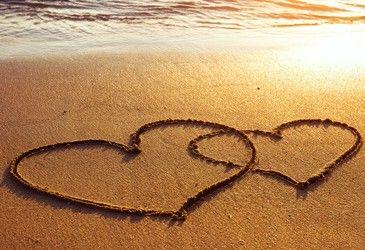Sehnsucht nach Liebe...  Sehnsucht ist ein Gefühl das jeder Mensch schonmal hatte. Das unterschiedliche Empfinden hat etwas mit Veranlagung zu tun. Lesen Sie HIER mehr dazu:  http://www.vidensus.net/themen/sehnsucht/sehnsucht-nach-liebe.php  #Vidensus #Sehnsucht #Liebe #Wahrsagen #Gratisgespräch